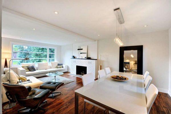 дерево и белая мебель
