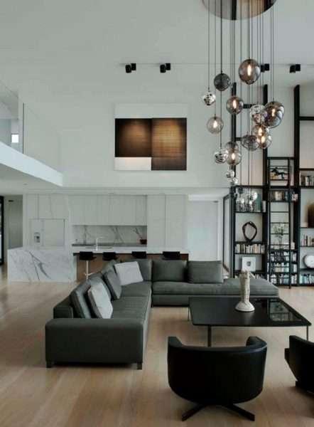 белые стены в интерьере черно-белой гостиной