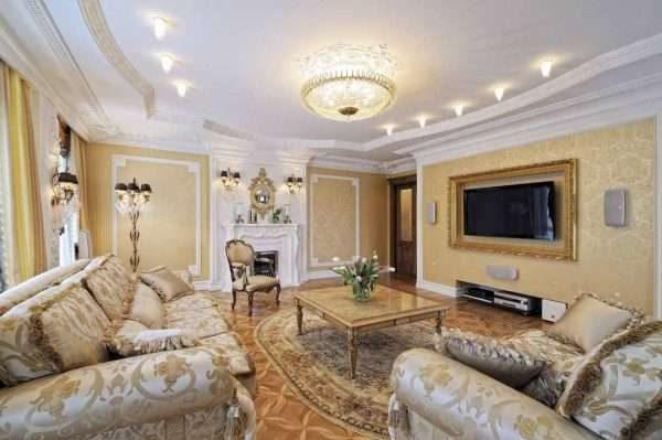 изысканная мебель в интерьере гостиной 17 кв. м в классическом стиле