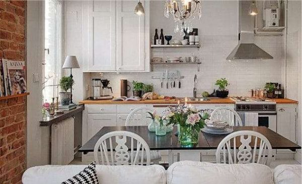 Гостиная совмещенная с кухней в стиле прованс