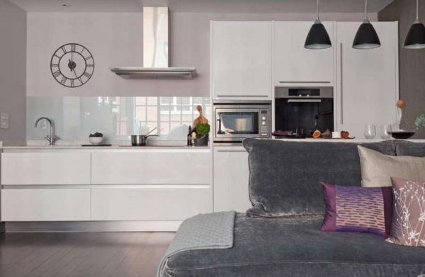 Дизайн кухни гостиной с зонированием