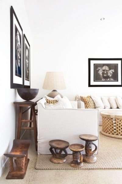стены с картинами в интерьере современной гостиной