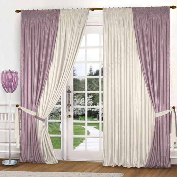 двухцветиные фиолетовые шторы в интерьере гостиной