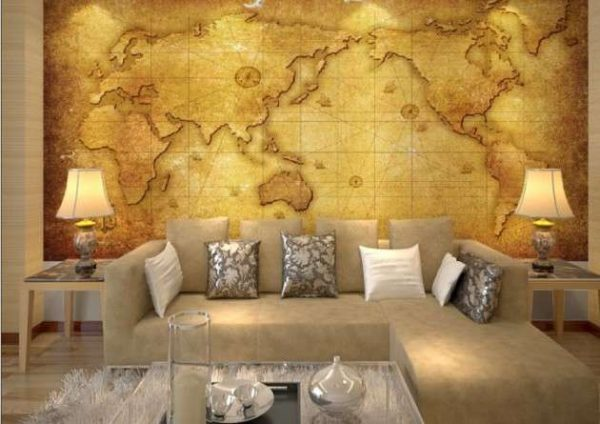 фреска карта мира в интерьере гостиной