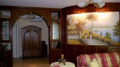 полукруглая фреска в интерьере гостиной