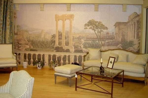 фреска в римских тонах в интерьере гостиной