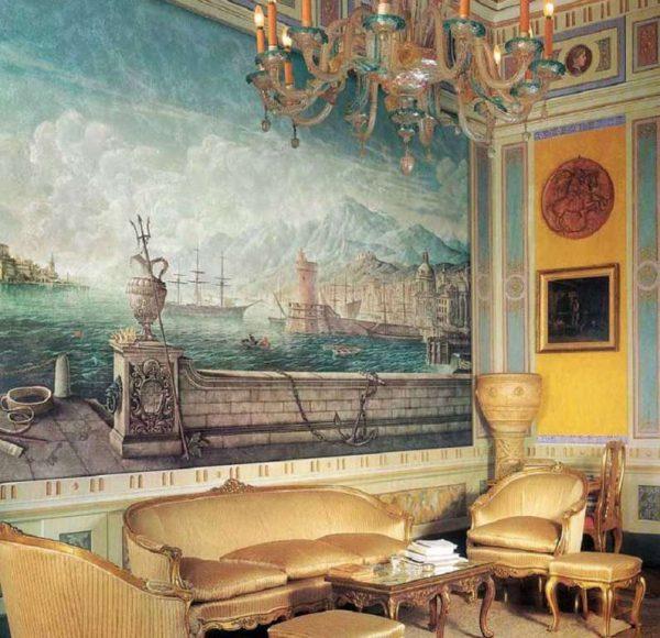 фреска с видами моря в интерьере гостиной