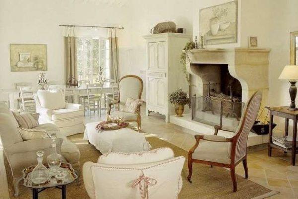 Интерьер гостиной прованс с камином