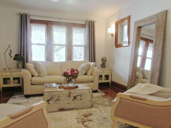 бежевая мебель в интерьер прованс в гостиной