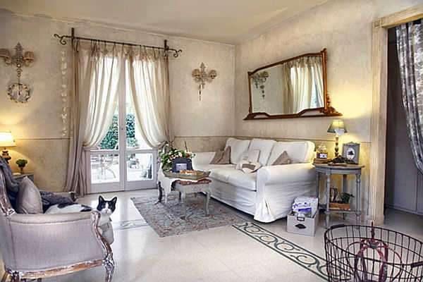фиалковый в интерьере гостиной в стиле прованс