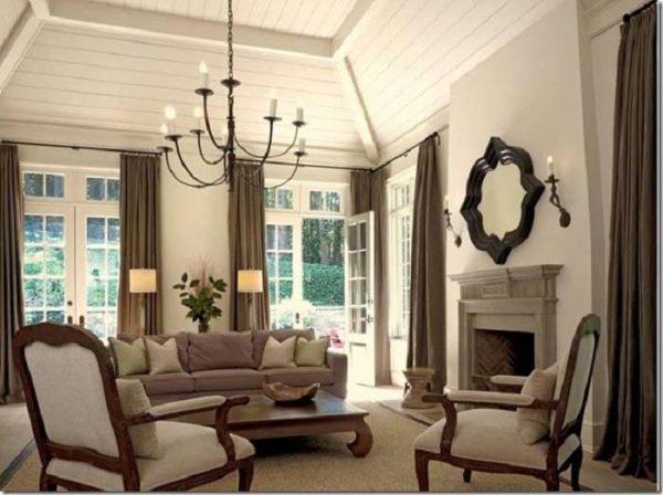 освещение в интерьере гостиной в английском стиле