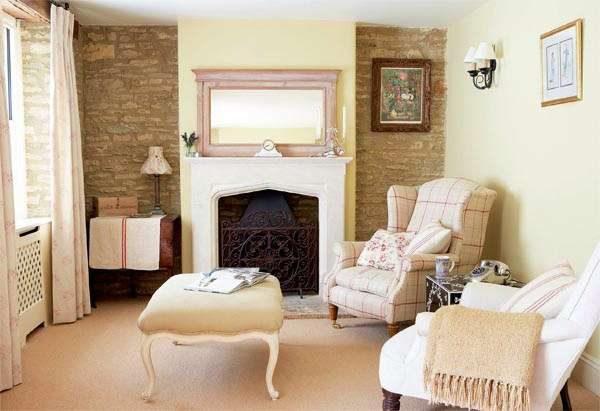 гостиная в английском стиле с белой мебелью