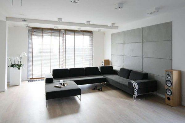 диван в гостиной в стиле минимализм