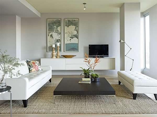 белый интерьер гостиной в стиле модерн