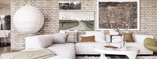 современный декор в интерьере светлой гостиной