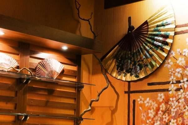 декор в гостиной в японском стиле