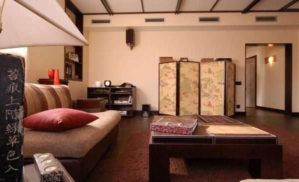 материалы в интерьере гостиной в японском стиле