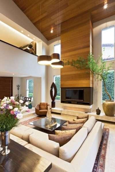 светлая мебель в гостиной частного дома