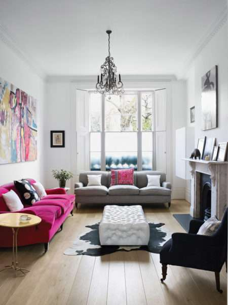 светлый интерьер небольшой гостиной