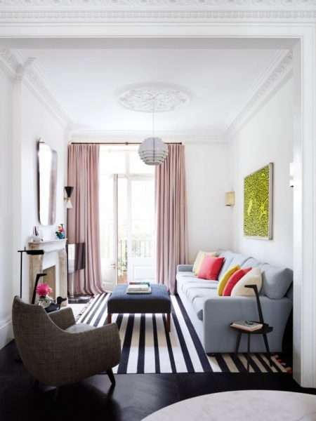 светлые пастельные цвета в интерьере небольшой гостиной