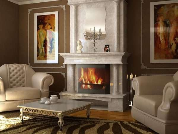 камин и белые кресла в гостиной в классическом стиле