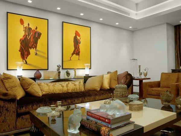 две картины, составляющие одну композицию в интерьер гостиной