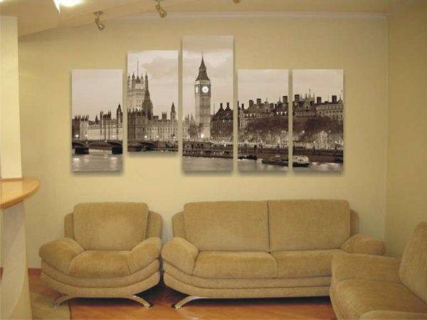 модульная картина пейзажем Лондона в интерьере гостиной над диваном
