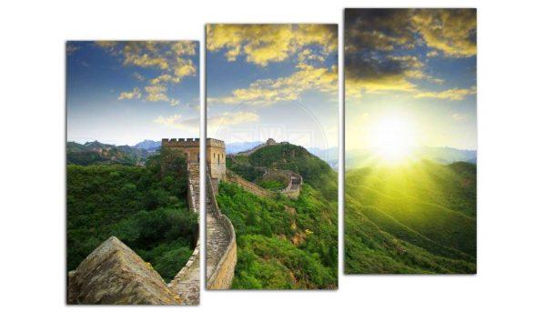 модульная картина с изображением Великой Китайской стены в интерьере гостиной