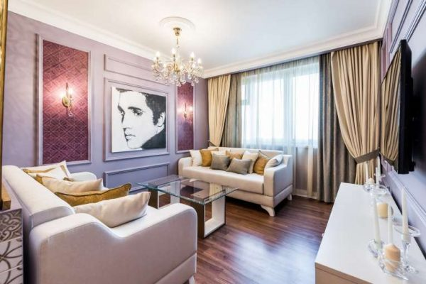 шторы в одной цветовой гамме в гостиной
