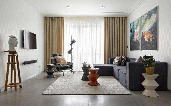 классические шторы с тюлью в интерьере современной гостиной