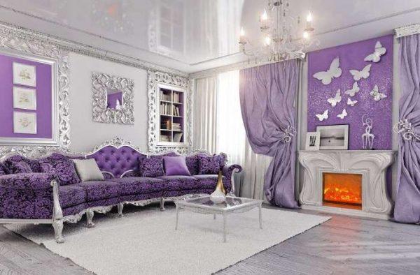 шторы в интерьере сиреневой гостиной в классическом стиле