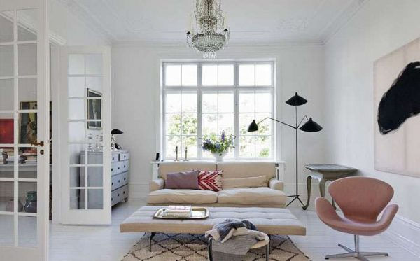 использование декора в гостиной со скандинавским стилем