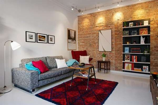 скандинавский стиль в гостиной с ярким ковром