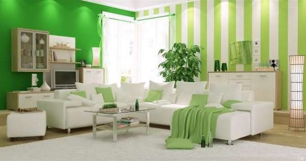 Сочетание зелёного и белого цветов в интерьере гостиной