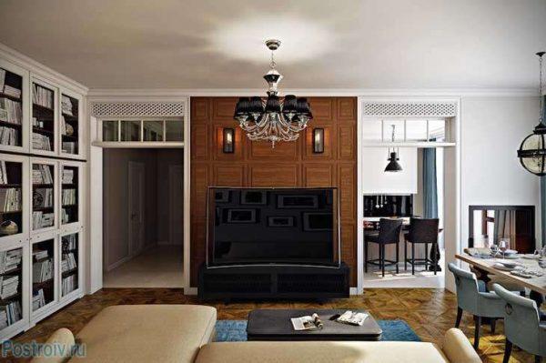 деревянные панели на стене гостиной