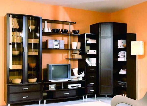 стенка со шкафом для гостиной в классическом стиле