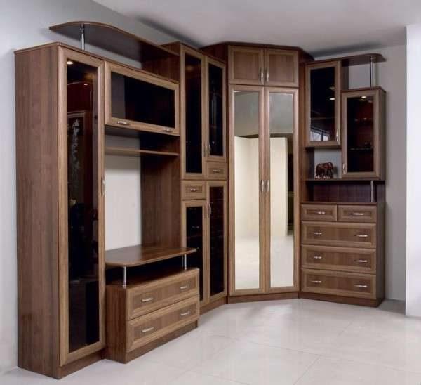 угловая деревянная стенка со шкафом для гостиной