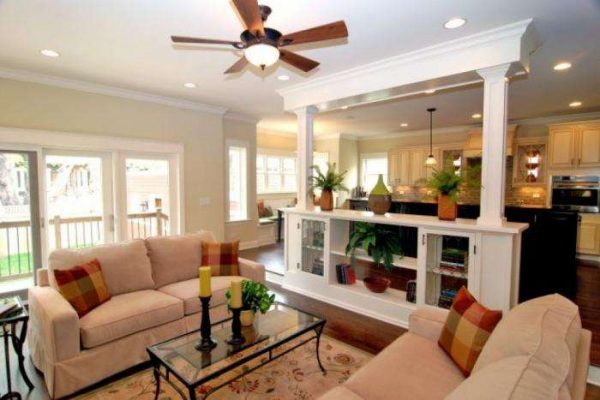 зонирование декоративной перегородкой на совмещённой кухне гостиной 20 кв. метров