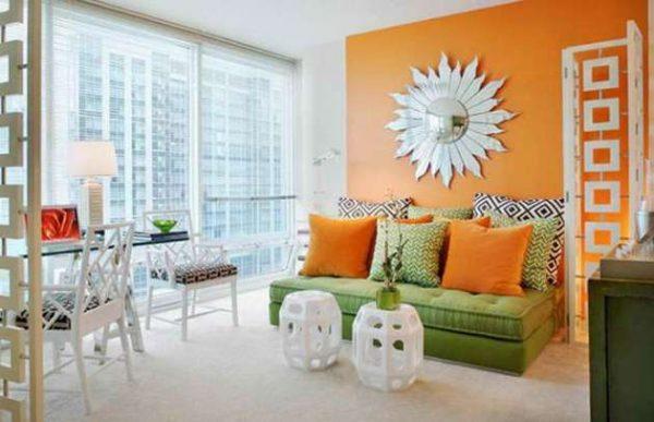 оранжевые стены в гостиной