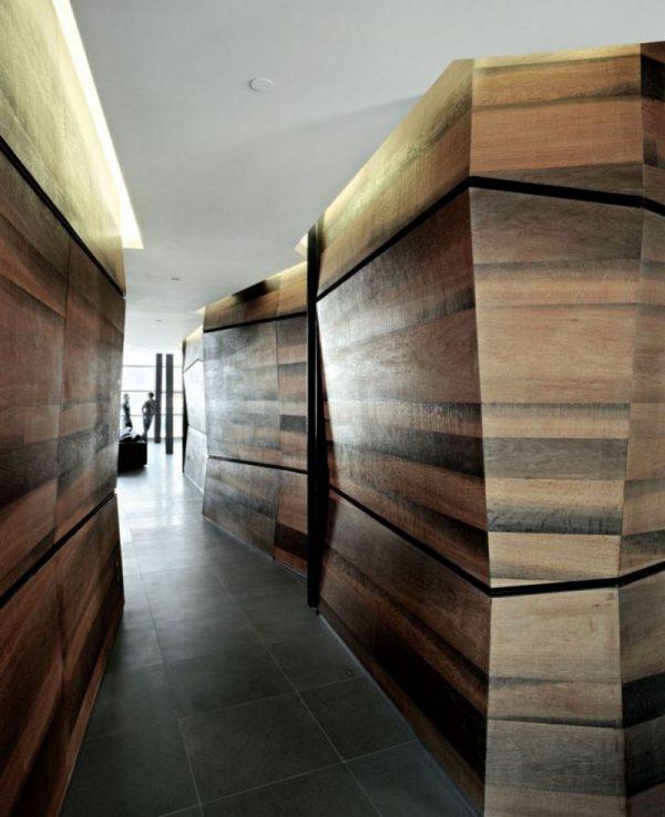 Узкий шкаф-купе в прихожую: фото в интерьере коридора