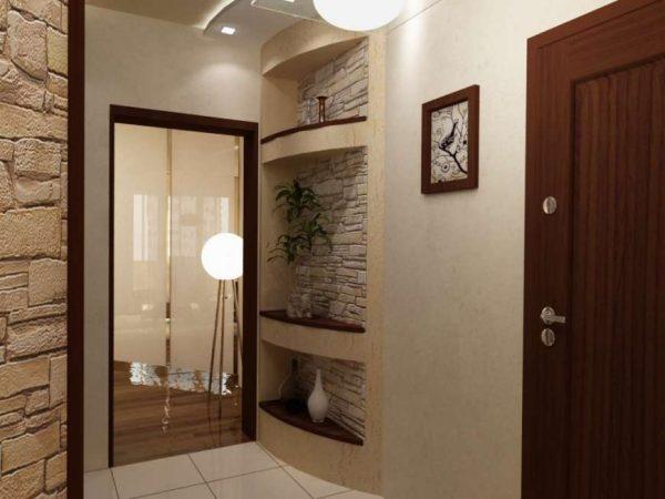 дизайн прихожей с комбинированными стенами