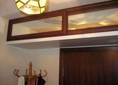 Мебель в длинный узкий коридор с антресолями
