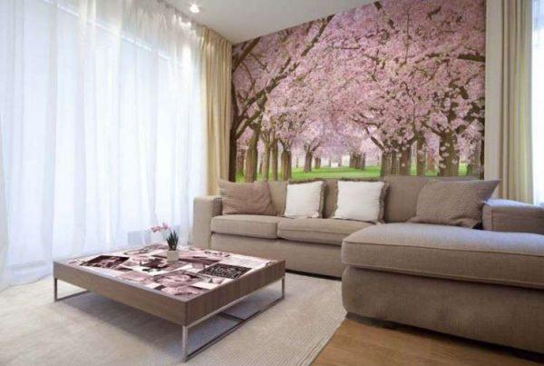 фотообои со цветом сакуры в интерьере гостиной