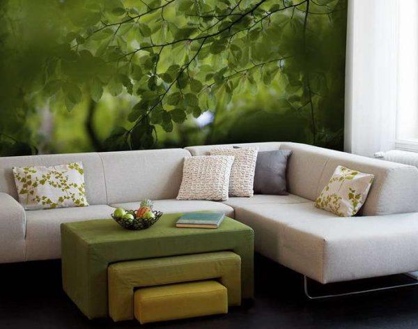 фотообои с листвой в интерьере гостиной