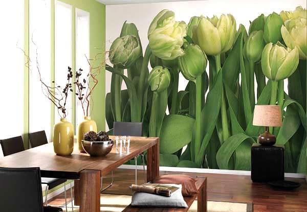 фотообои с изображением тюльпанов в гостиной