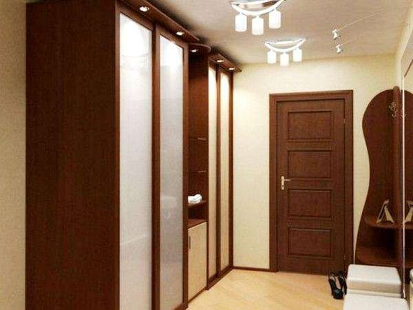 квадратный коридор в однокомнатной квартире