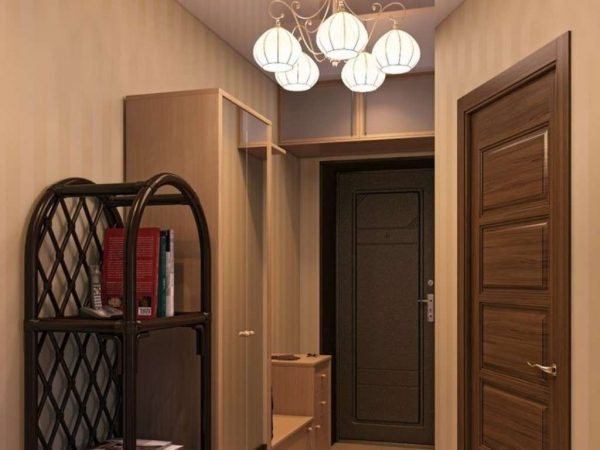 люстра в коридоре однокомнатной квартиры