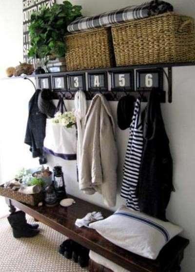 стильная и простая мебель в коридоре