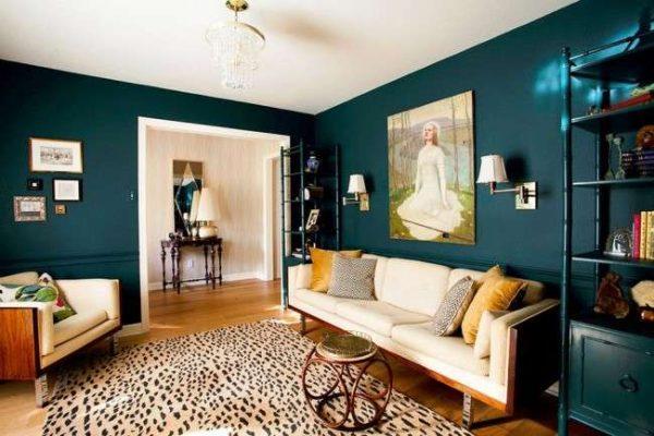 бежевый диван в современной гостиной