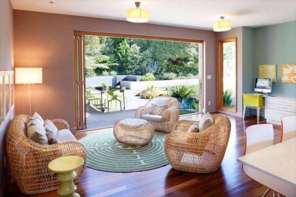 плетённая мебель в современной гостиной